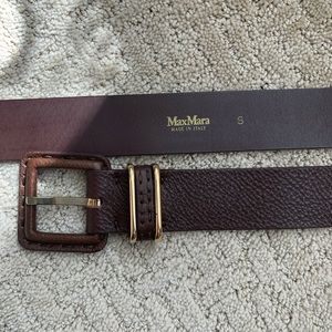 Authentic MaxMara Brown Leather Belt